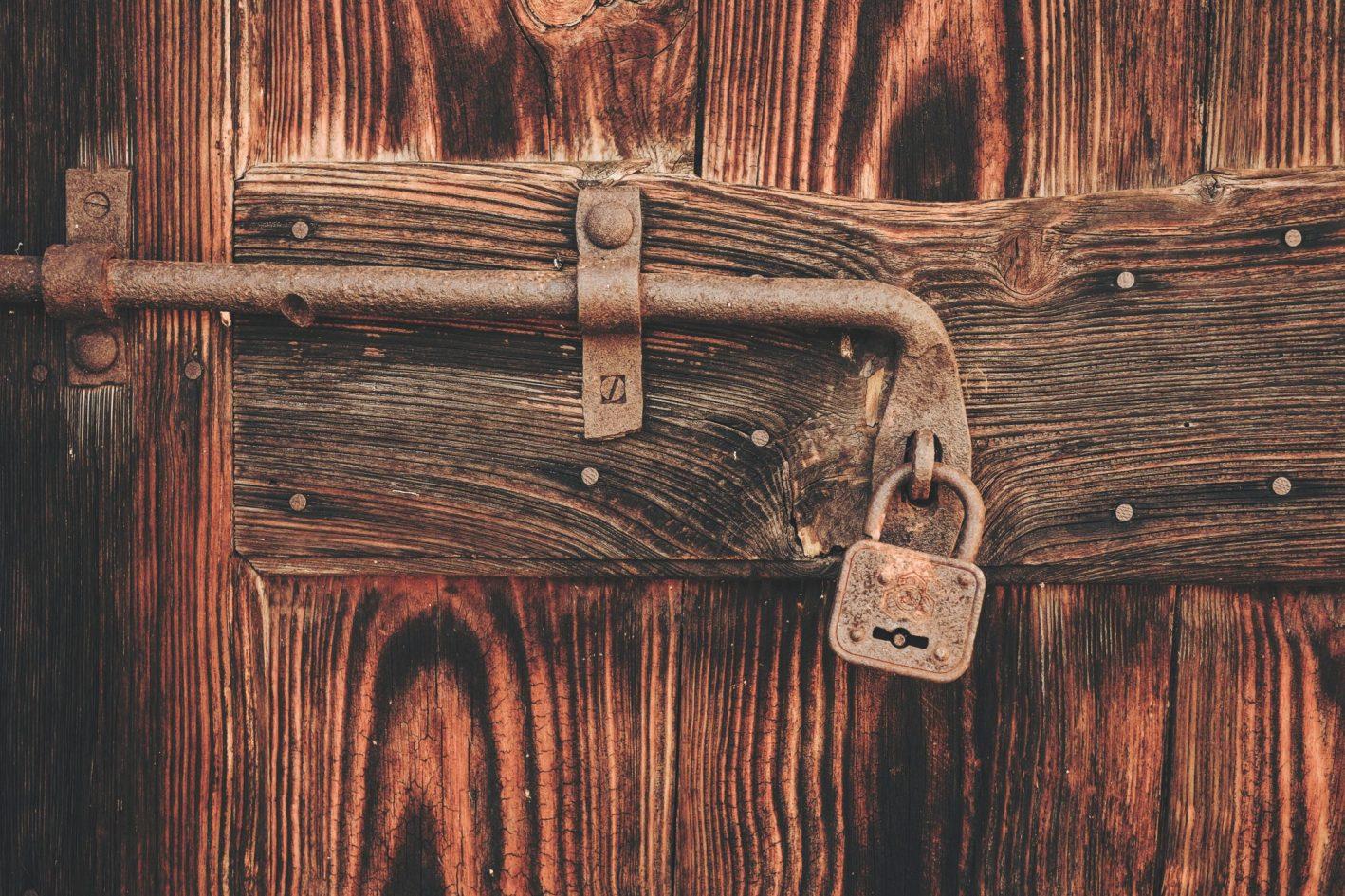 Serratura trucchi e consigli su come aprire una porta for Serratura bloccata chiave non gira