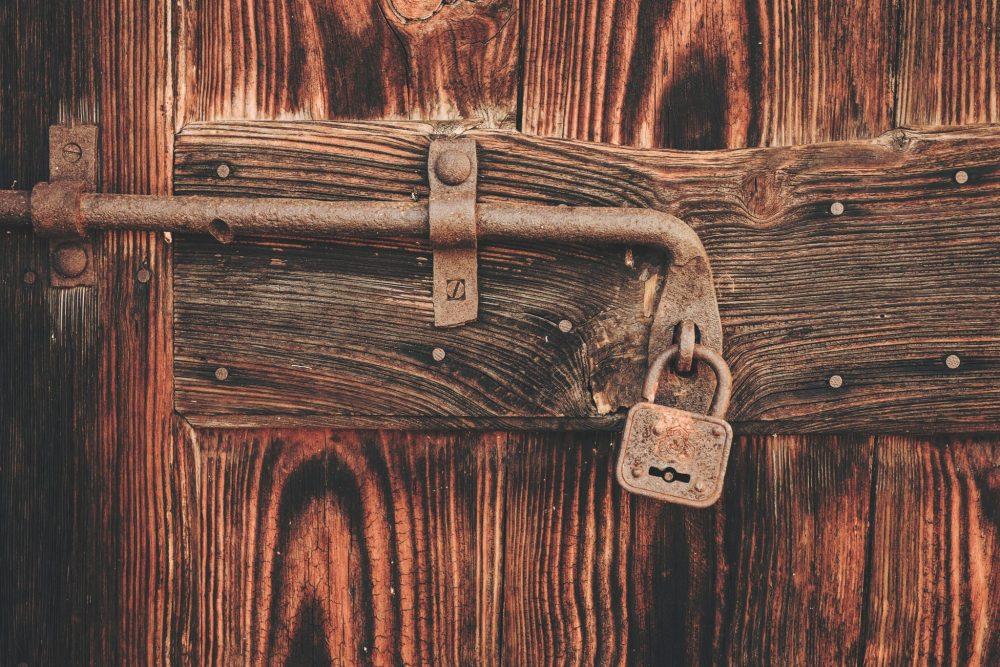 aprire-porta-serratura-bloccata