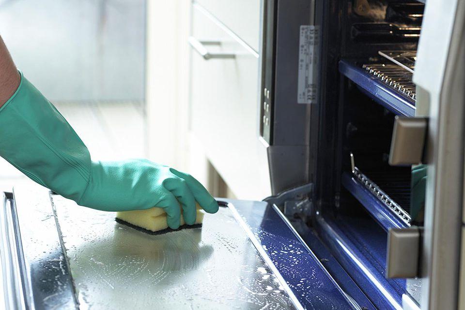 pulizia-forno-bicarbonato