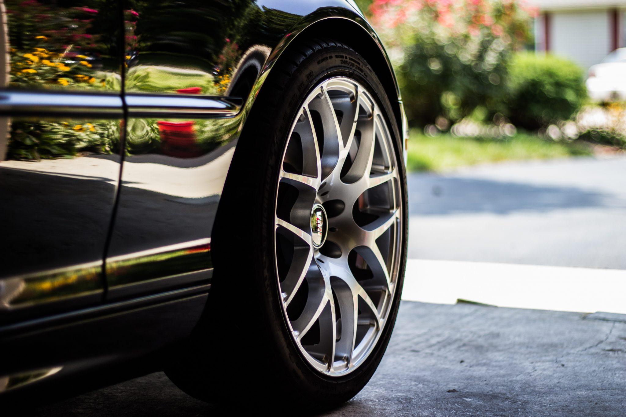 aspirapolvere automobile ruota
