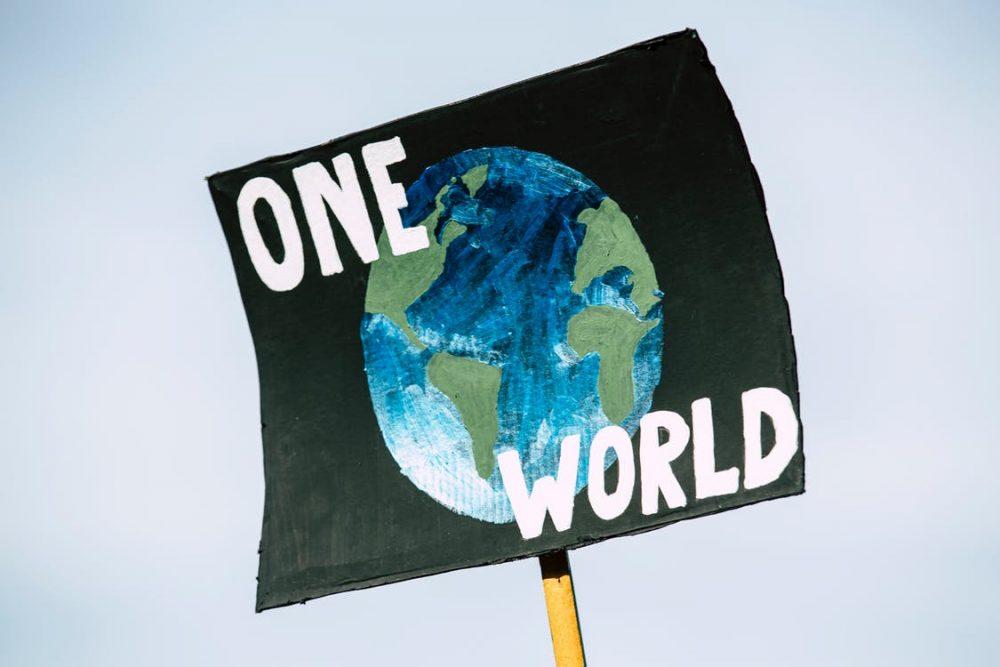 Cambiamenti climatici che danneggiano il pianeta
