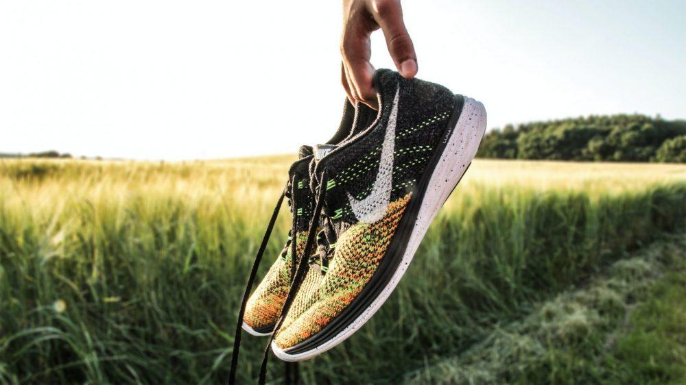 attrezzatura per correre scarpe
