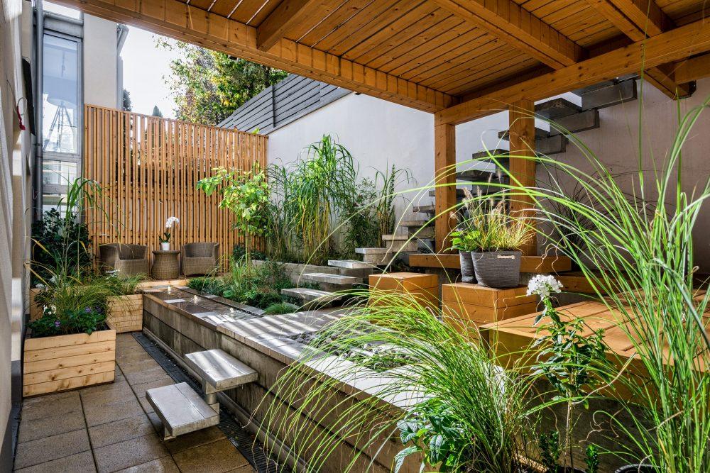 terrazzo-immerso-nel-verde