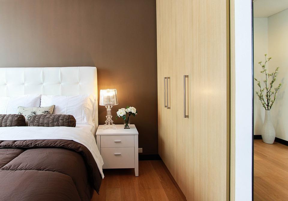 Nella pulizia della casa è importante considerare la camera da letto