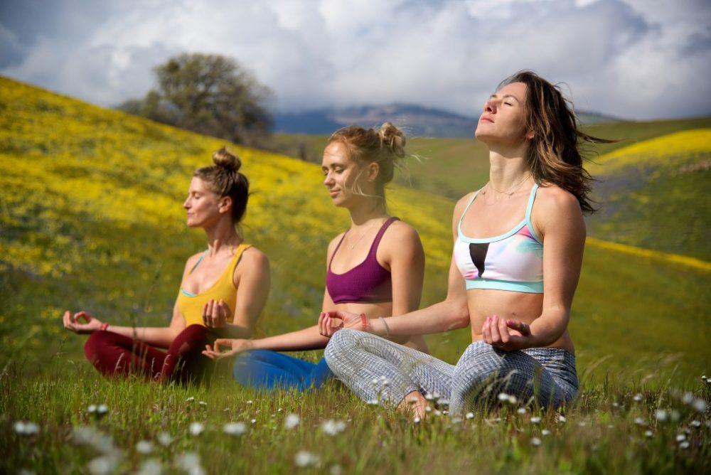 yoga posizione loto