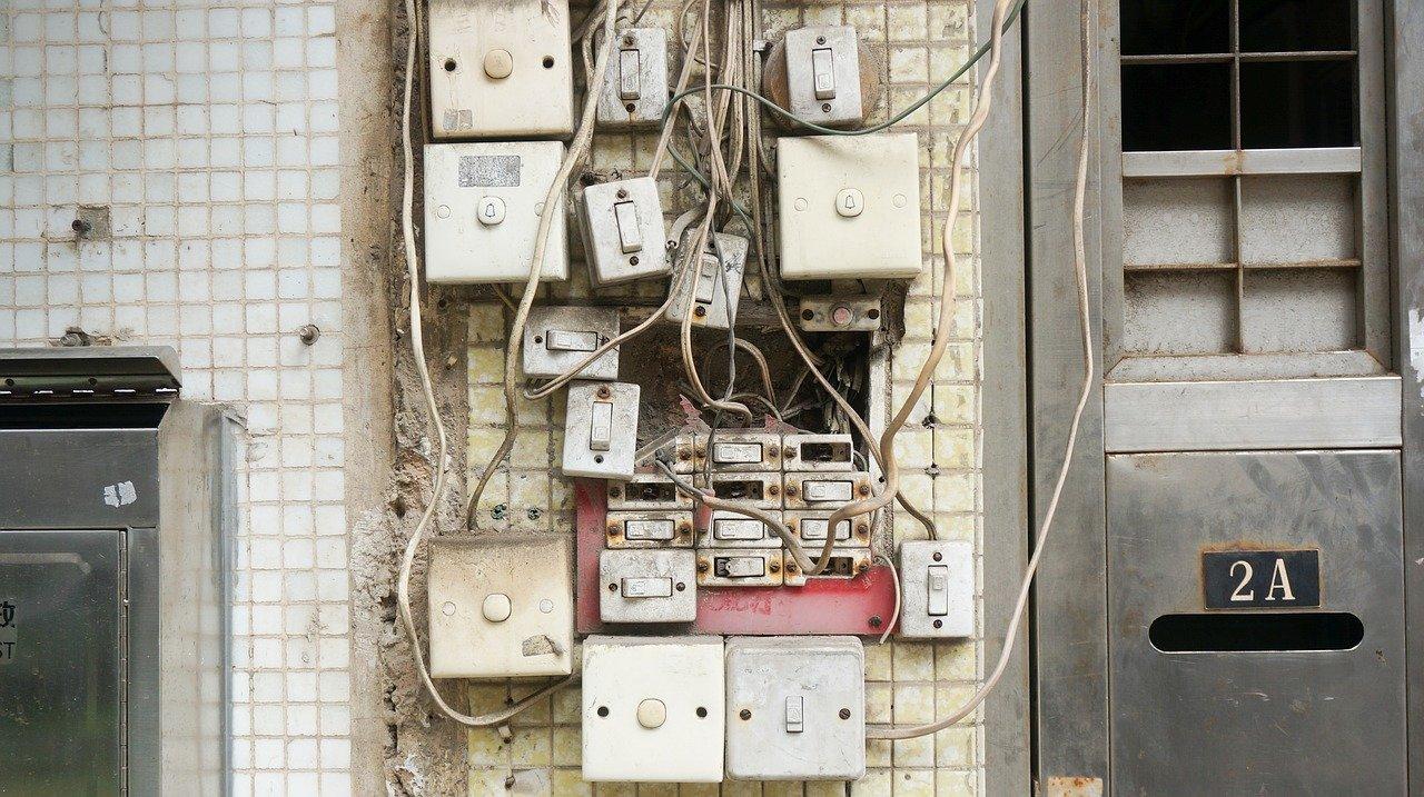 Interruttore difettoso circuito elettrico