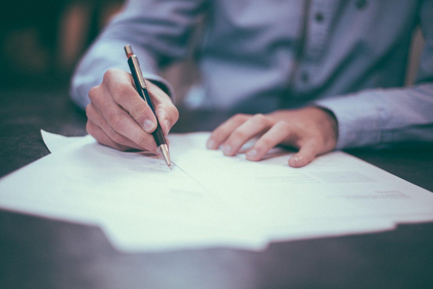 impresario discutibile requisiti contrattuali